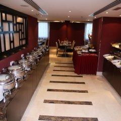 Отель Al Hamra Hotel ОАЭ, Шарджа - отзывы, цены и фото номеров - забронировать отель Al Hamra Hotel онлайн питание фото 3