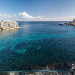 Отель Saint Julian's - Spinola Bay Apartment Мальта, Сан Джулианс - отзывы, цены и фото номеров - забронировать отель Saint Julian's - Spinola Bay Apartment онлайн пляж