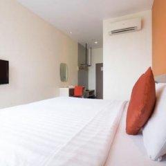 Отель D Varee Xpress Makkasan Бангкок сейф в номере