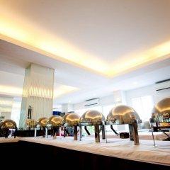 Отель The Platinum Suite питание фото 3