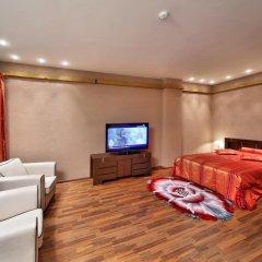 Гостиница Шале Грааль Апарт-Отель Украина, Трускавец - отзывы, цены и фото номеров - забронировать гостиницу Шале Грааль Апарт-Отель онлайн комната для гостей фото 2