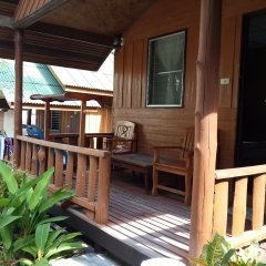 Отель Save Bungalow Koh Tao Таиланд, Мэй-Хаад-Бэй - отзывы, цены и фото номеров - забронировать отель Save Bungalow Koh Tao онлайн балкон