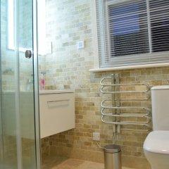 Отель Home With Roof Terrace Hampstead Village Лондон ванная фото 2