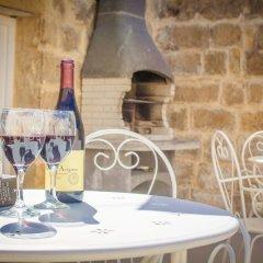 Отель Lemon Tree Bed & Breakfast Мальта, Заббар - отзывы, цены и фото номеров - забронировать отель Lemon Tree Bed & Breakfast онлайн питание