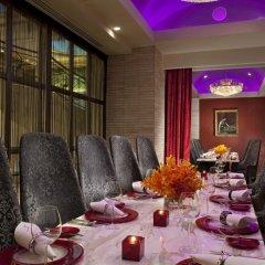Отель Royal Plaza On Scotts Сингапур, Сингапур - отзывы, цены и фото номеров - забронировать отель Royal Plaza On Scotts онлайн питание фото 2