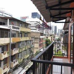 Отель Midsummer Night Hostel Таиланд, Бангкок - отзывы, цены и фото номеров - забронировать отель Midsummer Night Hostel онлайн балкон