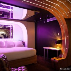Seven Hotel Paris развлечения