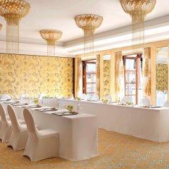 Отель The Ritz-Carlton, Dubai