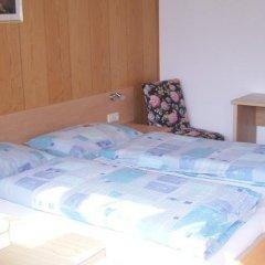 Отель Gasthof Anny Марленго сейф в номере