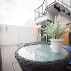 Отель Hunwa Guest House бассейн