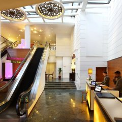 Albert Court Village Hotel by Far East Hospitality интерьер отеля