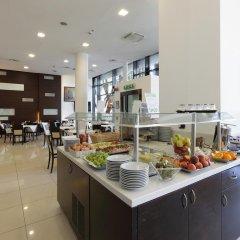 Отель Holiday Inn Turin Corso Francia Италия, Турин - отзывы, цены и фото номеров - забронировать отель Holiday Inn Turin Corso Francia онлайн питание фото 3