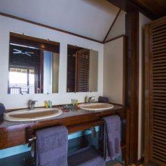 Отель Oa Oa Lodge Французская Полинезия, Бора-Бора - отзывы, цены и фото номеров - забронировать отель Oa Oa Lodge онлайн ванная фото 2