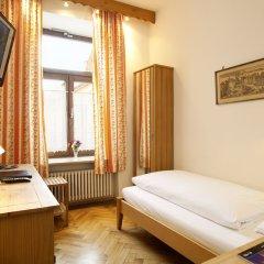 Отель Hahn Hotel Германия, Мюнхен - 3 отзыва об отеле, цены и фото номеров - забронировать отель Hahn Hotel онлайн комната для гостей фото 4