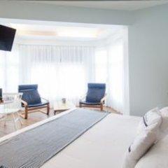 Отель Pension Aldamar Сан-Себастьян сейф в номере