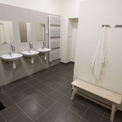 Отель Brix Hostel Чехия, Прага - отзывы, цены и фото номеров - забронировать отель Brix Hostel онлайн ванная фото 2
