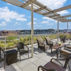 Отель Hilton Garden Inn Washington DC/Georgetown Area балкон