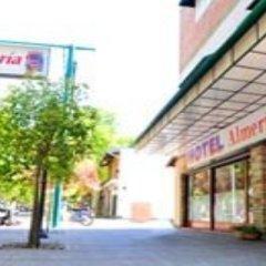 Hotel Almeria Сан-Рафаэль парковка