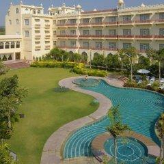 Отель Le Méridien Jaipur Resort & Spa бассейн фото 2