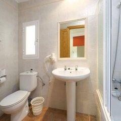 Отель Hostal Adelino ванная фото 2