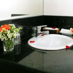 Отель Sunny Hotel Вьетнам, Нячанг - 9 отзывов об отеле, цены и фото номеров - забронировать отель Sunny Hotel онлайн ванная фото 2