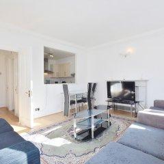 Апартаменты 15 Beaufort Gardens Apartments Лондон комната для гостей фото 4