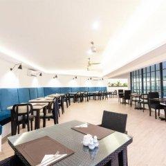 Отель Coconut Village Resort гостиничный бар