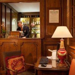 Отель Amarante Beau Manoir Франция, Париж - 14 отзывов об отеле, цены и фото номеров - забронировать отель Amarante Beau Manoir онлайн гостиничный бар