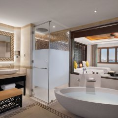 Отель Banana Island Resort Doha By Anantara ванная фото 2