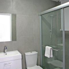 Отель Corina Suites and Apartments Кипр, Лимассол - 1 отзыв об отеле, цены и фото номеров - забронировать отель Corina Suites and Apartments онлайн ванная