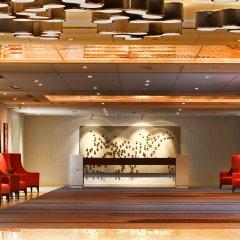 Отель DoubleTree by Hilton Montreal Канада, Монреаль - отзывы, цены и фото номеров - забронировать отель DoubleTree by Hilton Montreal онлайн интерьер отеля фото 2