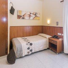 Отель Hostal Sans Испания, Барселона - отзывы, цены и фото номеров - забронировать отель Hostal Sans онлайн комната для гостей