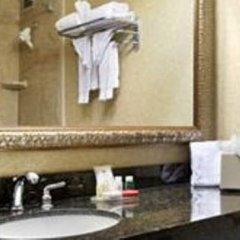 Ramada Plaza Hotel And Conference Center Колумбус ванная фото 2