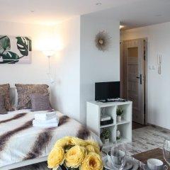 Отель Sunny City Center Apartment Польша, Варшава - отзывы, цены и фото номеров - забронировать отель Sunny City Center Apartment онлайн комната для гостей фото 3