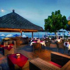 Отель Nikko Bali Benoa Beach Индонезия, Бали - отзывы, цены и фото номеров - забронировать отель Nikko Bali Benoa Beach онлайн гостиничный бар