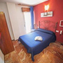Отель Hostal Nevot комната для гостей фото 3