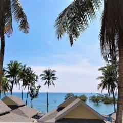 Отель Villa Cha-Cha Krabi Beachfront Resort Таиланд, Краби - отзывы, цены и фото номеров - забронировать отель Villa Cha-Cha Krabi Beachfront Resort онлайн пляж фото 2