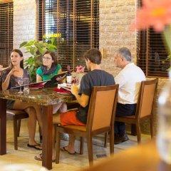 Отель Hanoi Imperial Hotel Вьетнам, Ханой - 1 отзыв об отеле, цены и фото номеров - забронировать отель Hanoi Imperial Hotel онлайн питание фото 2