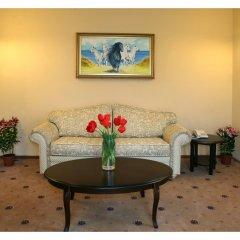 Гостиница Гранд-отель Пилипец Украина, Поляна - отзывы, цены и фото номеров - забронировать гостиницу Гранд-отель Пилипец онлайн комната для гостей