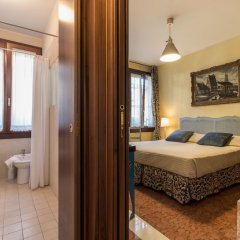 Отель Like Venice Out of The Crowd Италия, Сальцано - отзывы, цены и фото номеров - забронировать отель Like Venice Out of The Crowd онлайн комната для гостей