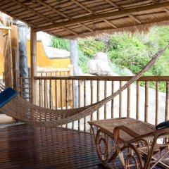 Отель Koh Tao Bamboo Huts Таиланд, Остров Тау - отзывы, цены и фото номеров - забронировать отель Koh Tao Bamboo Huts онлайн балкон