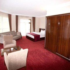 Resmina Hotel фитнесс-зал