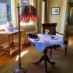 Отель Prior Castle Inn Канада, Виктория - отзывы, цены и фото номеров - забронировать отель Prior Castle Inn онлайн спа фото 2