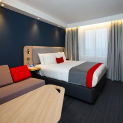 Отель Holiday Inn Express London Luton Airport комната для гостей фото 4