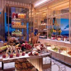 Отель The Ritz-Carlton, Millenia Singapore развлечения фото 3