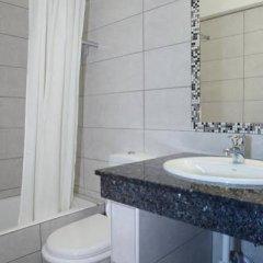 Отель Kefalos Damon Hotel Apartments Кипр, Пафос - отзывы, цены и фото номеров - забронировать отель Kefalos Damon Hotel Apartments онлайн ванная фото 2