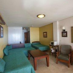 Отель Apartamentos Jabega Испания, Фуэнхирола - отзывы, цены и фото номеров - забронировать отель Apartamentos Jabega онлайн комната для гостей