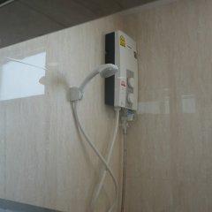 Отель Q Space Residence Бангкок ванная фото 2