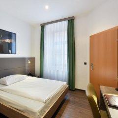 Hotel Lucia комната для гостей
