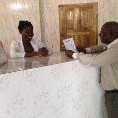 Отель Ekulu Green Guest House Нигерия, Энугу - отзывы, цены и фото номеров - забронировать отель Ekulu Green Guest House онлайн интерьер отеля фото 3